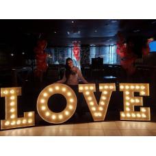 Буквы «Love»